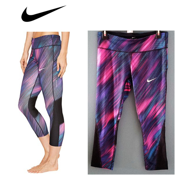 nike three quarter leggings womens